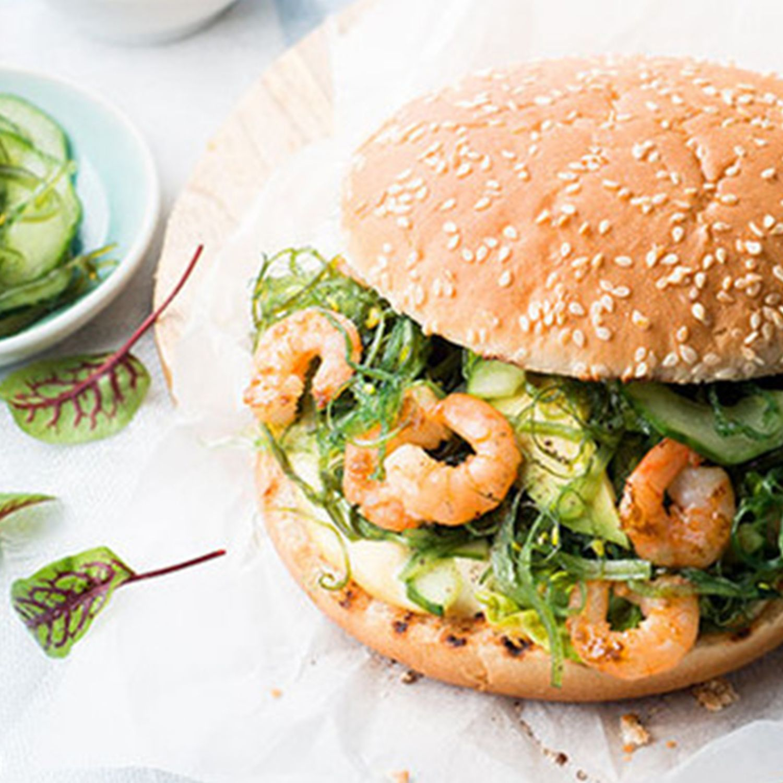 Garnelen-Burger mit Wakame und Avocado