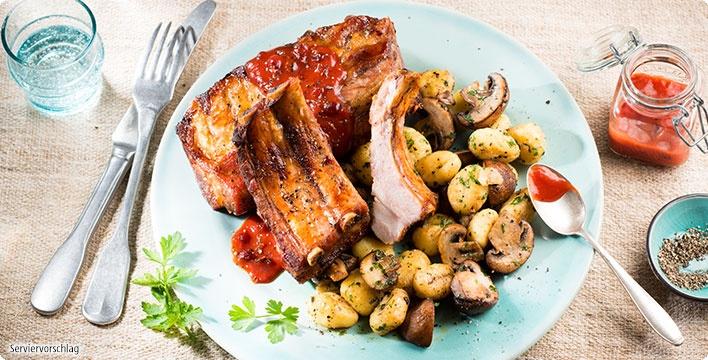 Ofen Spare-Ribs mit Gnocchi-Pilz-Pfanne und BBQ-Sauce
