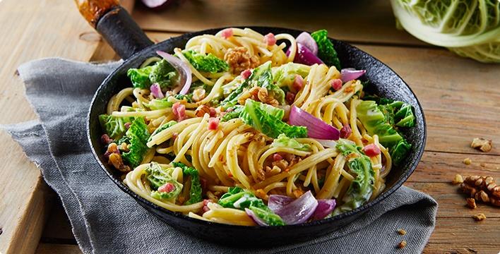 Cremiger Wirsing mit Spaghetti