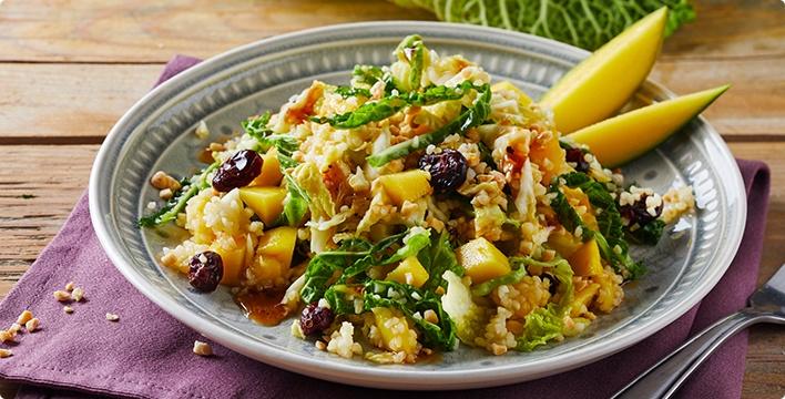 Fruchtiger Bulgur-Salat mit Wirsing
