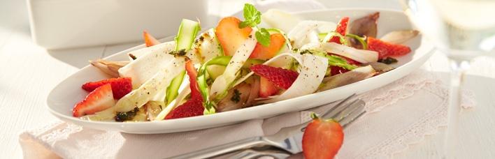 Erdbeer-Spargelsalat mit Pfeffer