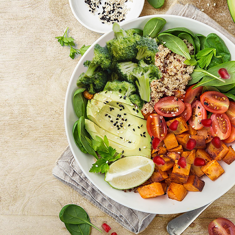 Quinoa-Bowl mit Süßkartoffeln