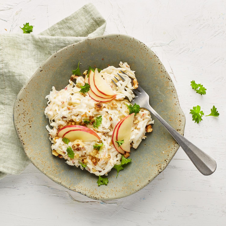 Selleriesalat mit Joghurt und Apfel