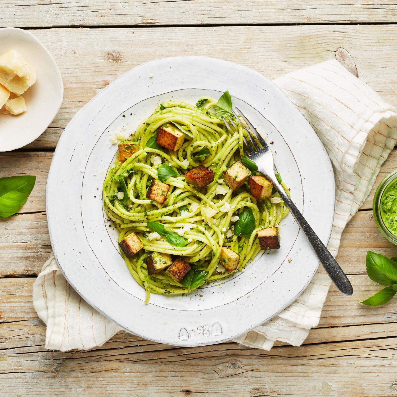 Grüne Carbonara Spaghetti