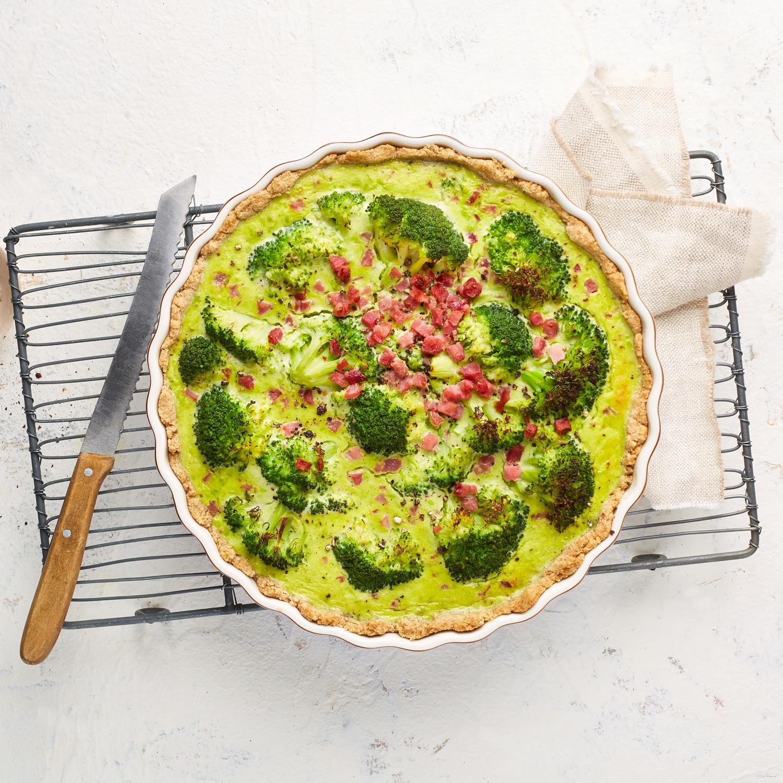 Brokkoli-Quiche mit Erbsencreme