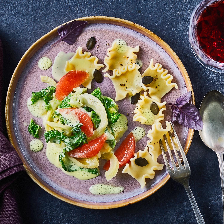 Gourmet-Pasta mit karamellisiertem Ingwer-Zimt-Wirsing