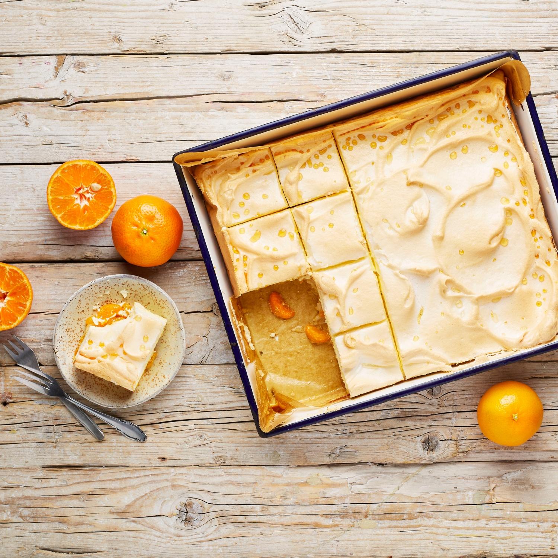 Mandarinen-Baiser-Schnitten