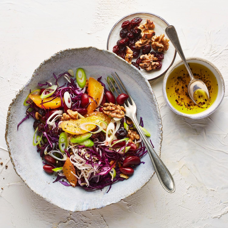 Krautsalat mit Orangen und Walnüssen