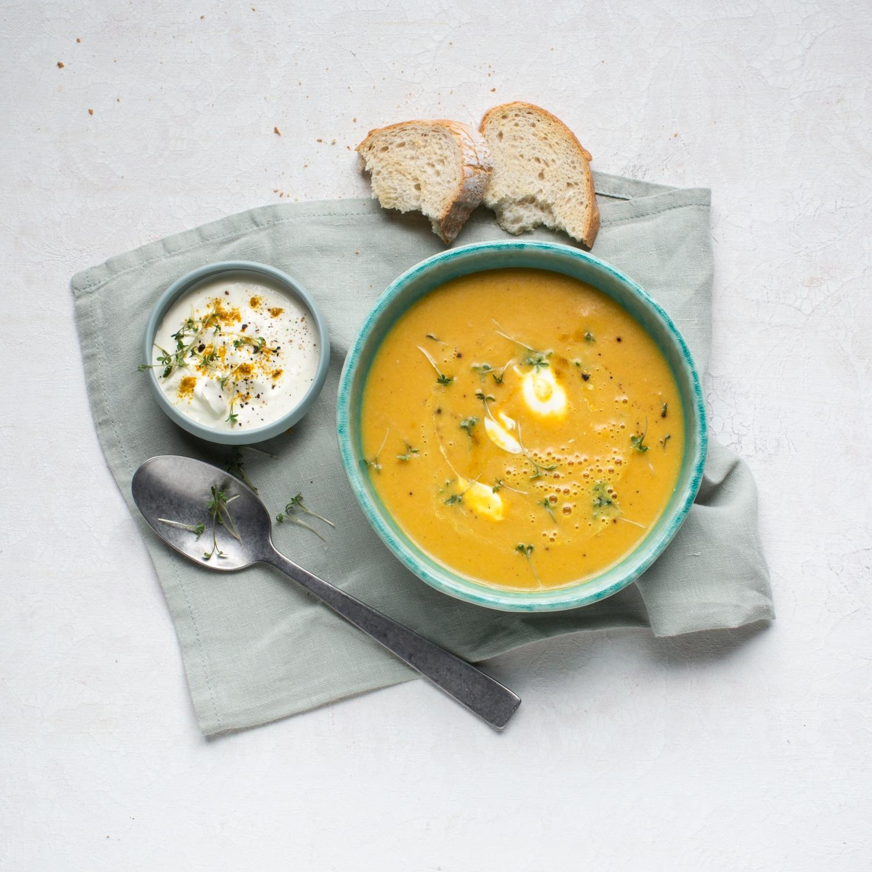 Indische Bananen-Curry-Suppe