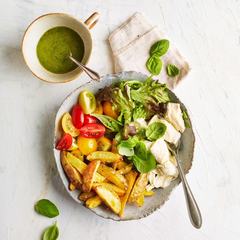 Kartoffel-Bowl mit Pesto-Dressing