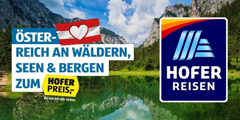 Ein Bergpanorama.. Daneben das HOFER REISEN Logo.