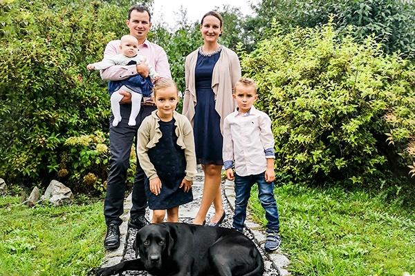 Familie Erbler: Vater, Mutter und drei Kinder