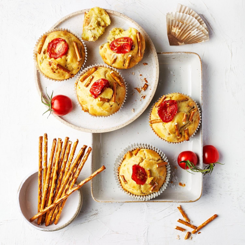 Herzhafte Muffins mit Salzstangen