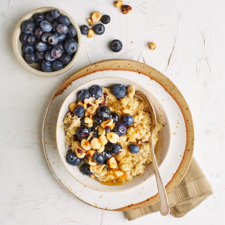 Quinoa-Frühstück mit Heidelbeeren