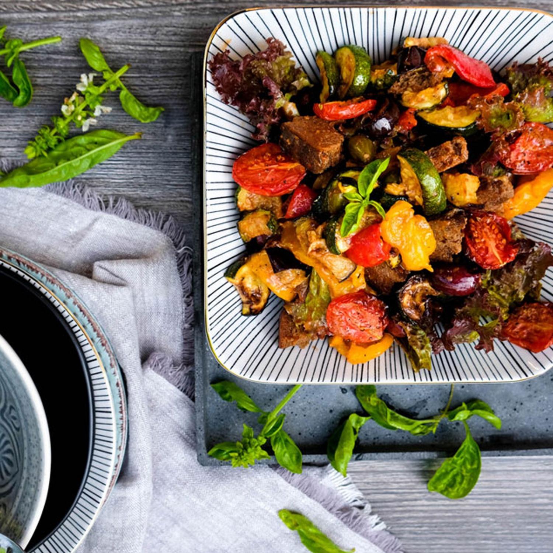Salat von gegrilltem Gemüse