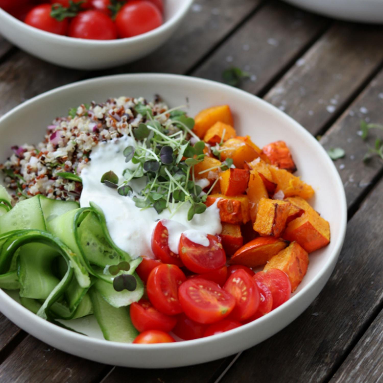 Quinoa Bowl mit Kürbis