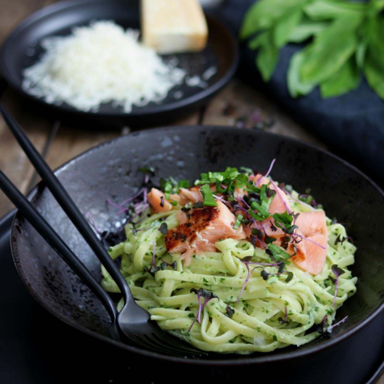 Spaghetti mit Lachs und Bärlauch-Frischkäse-Soße