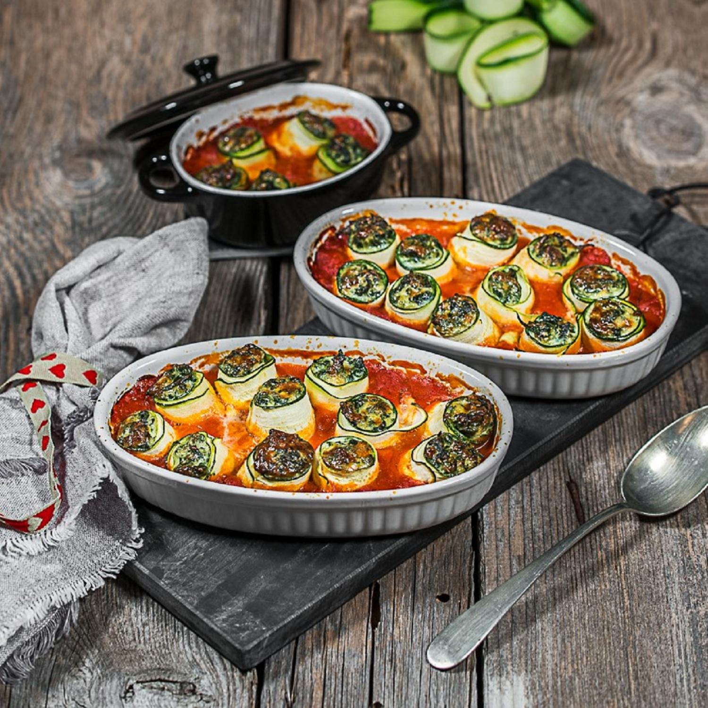 Zucchini-Cannelloni in Tomatensauce