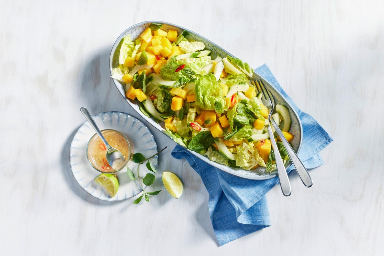 Schneller Mango-Salat mit Gurke und Chili