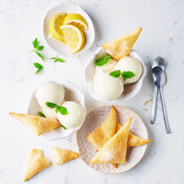 Zitronensorbet mit Knusperecken