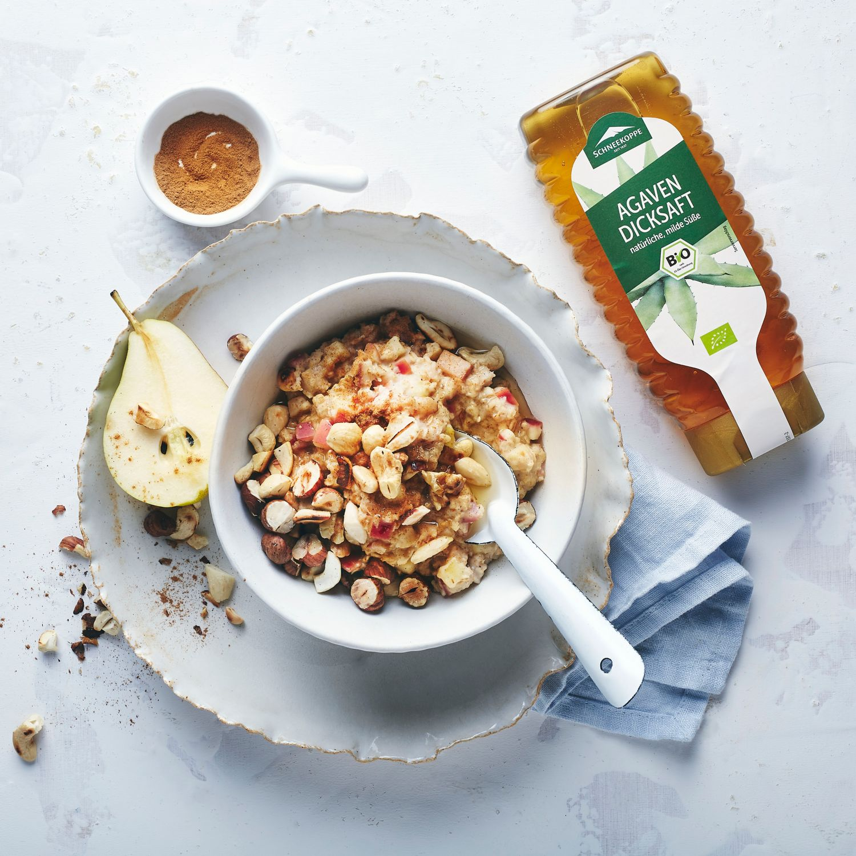 Veganes Porridge mit Apfel und Birne