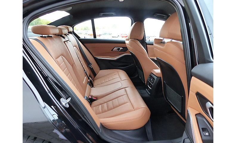 320i Limousine