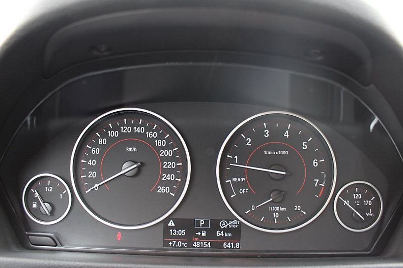 330i Touring