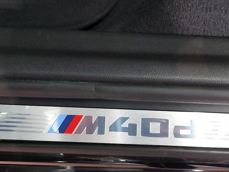 X3 M40d