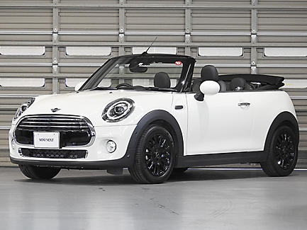 THE NEW MINI COOPER CONVERTIBLE.