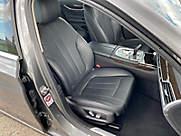 725d Sedan