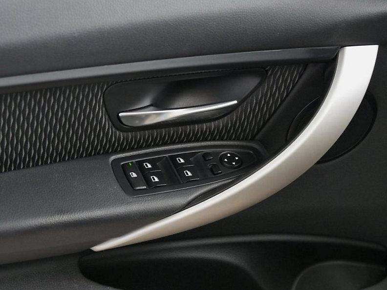 325d Sedan