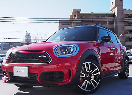 THE NEW MINI JOHN COOPER WORKS CROSSOVER.
