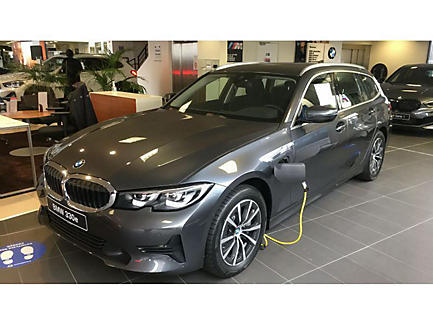 BMW 330e xDrive 292 ch Touring Finition Business Design (Entreprises)