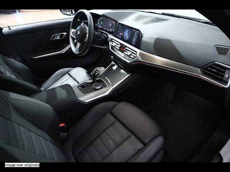 330i Sedan