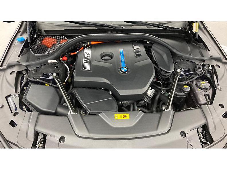740e iPerformance Sedan