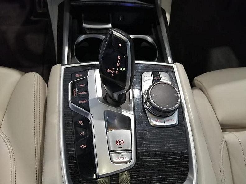 740d xDrive Sedan