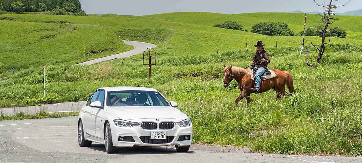"BMW認定中古車は安心の最長4年保証<br /><span style=""font-size:18px;"">特別低金利実施中、詳しくはお近くのショールームへ。</span>"
