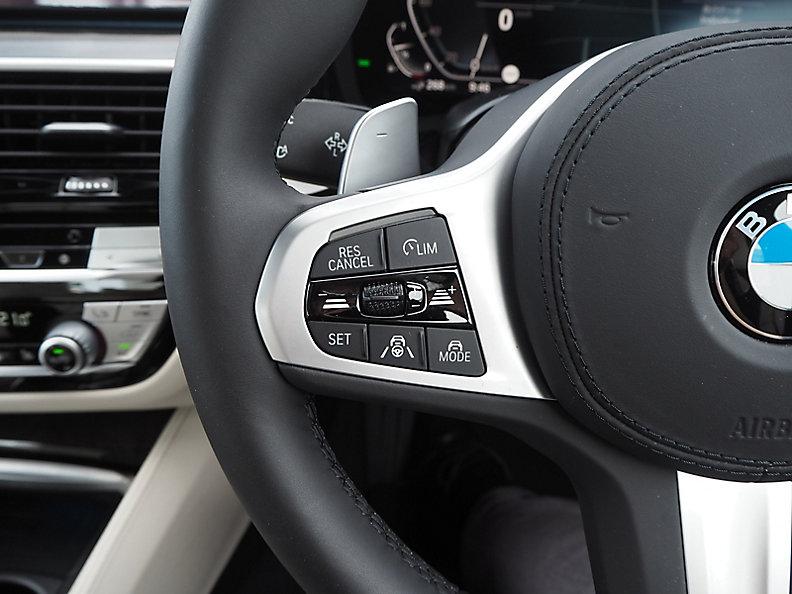 530e Sedan RHD