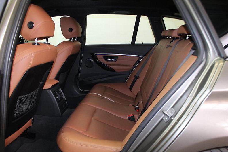 320i Touring Luxury Line