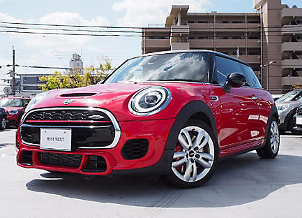 THE NEW MINI JOHN COOPER WORKS.