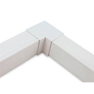 Univolt MIES50/50 50 x 50mm Maxi Trunking Sweeping Internal Ang