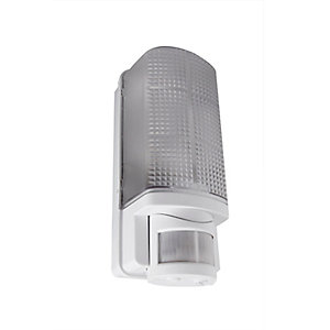 Robus Whitestar IP44 60W Bulkhead with PIR - White