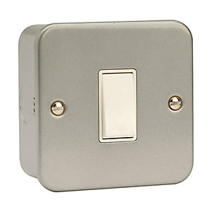 Metal Clad 1 Gang 2 Way Light Switch - CL011