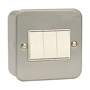 Metal Clad 3 Gang 2 Way Light Switch - CL013