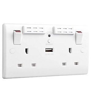 BG 2.1A USB Charger and WiFi Range Extender Socket - 822UWR