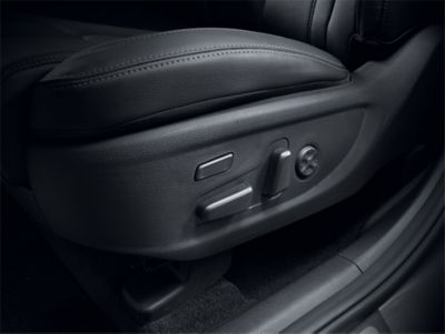 Image of the new Hyundai Santa Fe Hybrid's 8-way adjustable power front seats.