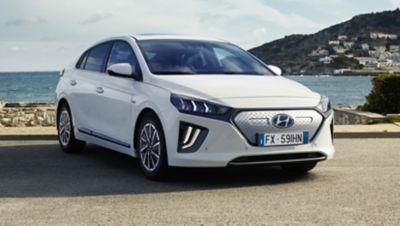 Immagine frontale di Nuova Hyundai IONIQ Electric.