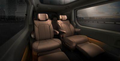 Detailní pohled na zadní relaxační sedadla Hyundai Staria.