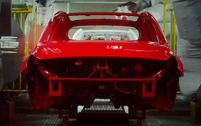Video som viser produksjonen av biler. Video.