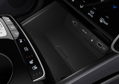 The high-speed wireless charging port in the all-new Hyundai TUCSON Plug-in Hybrid SUV.